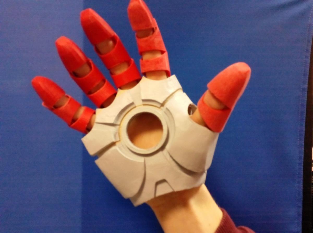 Как сделать из бумаги железного человека костюм